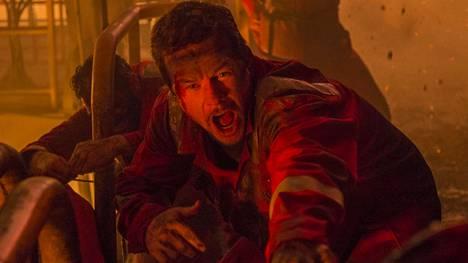 Mark Wahlberg näyttelee jälleen tuttua rooliaan, vastuuntuntoista duunaria.