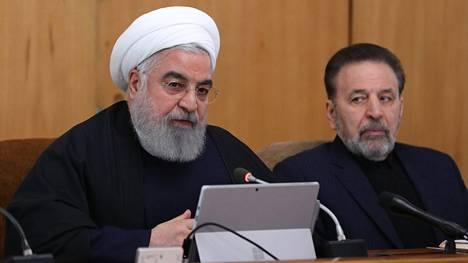 Iranin presidentti Hassan Rouhani johti maan hallituksen kokousta keskiviikkona.
