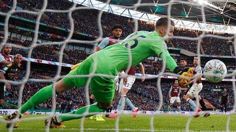 Rodrin pusku painui Aston Villan pömpeliin.