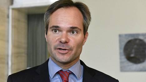 Sisäministeri Kai Mykkänen lähtee Turkkiin seuraamaan kiintiöpakolaisten valintaa.