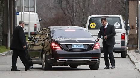 Venäjän suurlähettiläs saapui ulkoministeriöön Katajanokalle maanantaina.