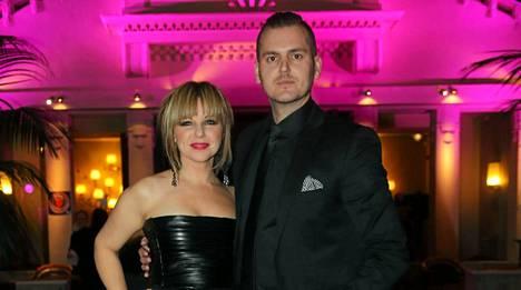 Pandora (oikealta nimeltään Anneli Magnusson) ja Mikko Peltonen ovat olleet yhdessä vuoden.