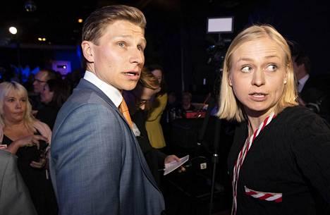 Antti Häkkänen sai eduskuntavaaleissa kokoomuslaisista eniten ääniä ja Elina Lepomäki sai toiseksi eniten, 19 292. Molemmat keräsivät myös paljon rahaa kampanjaansa, Lepomäki 116 462 euroa ja Häkkänen 112 746 euroa.