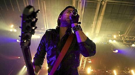 Jared Leton bändin Thirty Seconds to Marsin kohuvideo Hurricane on saanut tunnustusta.