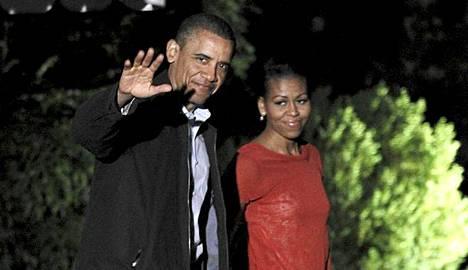 Barack ja Michelle Obama lähtivät yöllä Eurooppaan.