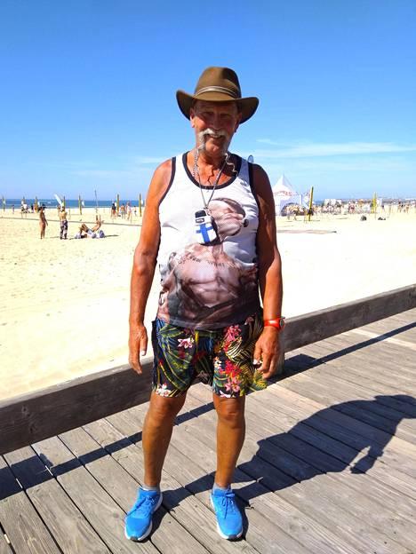 Portugalissa pitkät sauvakävelylenkit ovat saaneet aisoihin korkean verensokerin, korkean verenpaineen, rytmihäiriöt ja sepelvaltimotaudinkin. Painosta putosi 22 kiloa.