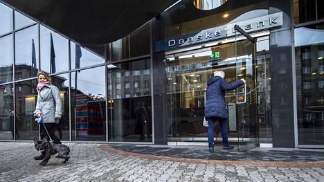 Danske Bankin julkisivu Tallinnassa.