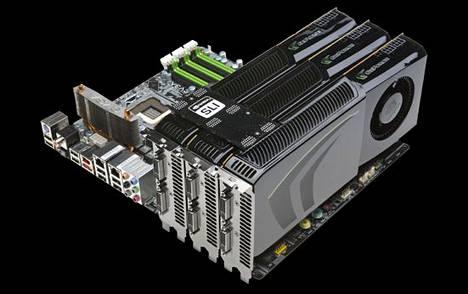 Kolme Nvidian GTX 285 -näytönohjainta kytketty yhteen sli-teknologialla.
