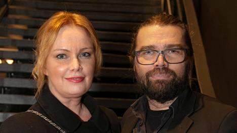 Kirjailija Niina Repo ja teatterinjohtaja Mikko Kouki saivat kutsun Linnaan.