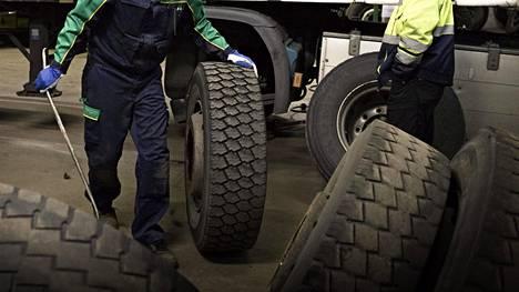 Uudet säännöt koskevat myös raskaiden hyötyajoneuvojen renkaita (C3-renkaita), joihin ei tällä hetkellä sovelleta EU:n merkintävaatimuksia.