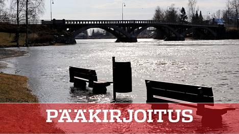 Kokemäenjoen kevättulva. Tulevaisuudessa sateet kasvattavat tulvariskejä Suomessa.