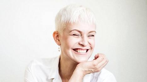 """""""Asennemuija"""" Jenni Janakka haluaa valaa naisiin parempaa asennetta."""