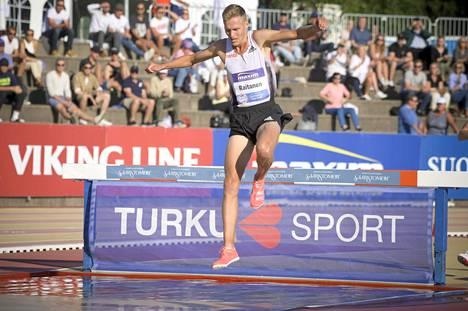 Topi Raitanen näytti tiistaina Turussa, että on huippukunnossa.