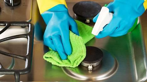 Suomalaisten yleisin ongelma puhdistusaineiden kanssa on niiden liikakäyttö.