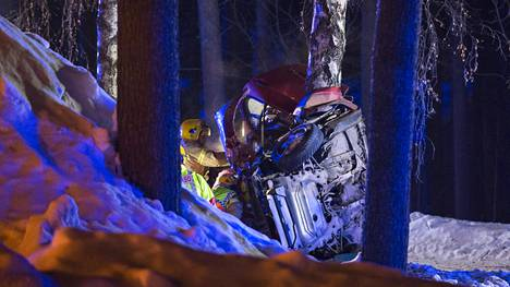 Onnettomuus tapahtui puolenyön jälkeen Koskelan kaupunginosassa.