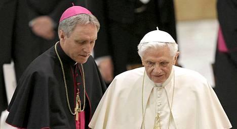 Tiesitkö tätä paavin eläkepäivistä? Ulkomaat Ilta Sanomat