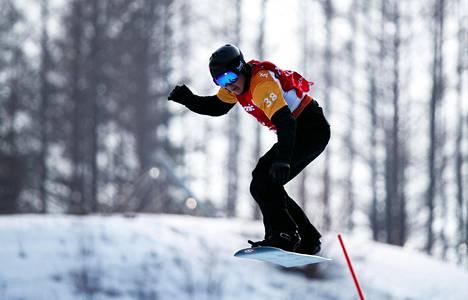 Matti Suur-Hamari voitti paralympiakultaa maanantaina Pyeongchangissa.