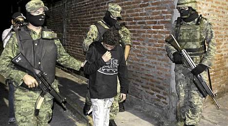 Edgar Jimenez sai kolmen vuoden tuomion lukuisista rikoksistaan.
