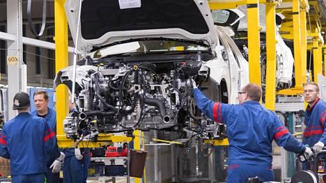 Pääosa Valmet Automotiven avoimista työpaikoista on Uudenkaupungin autotehtaalla.
