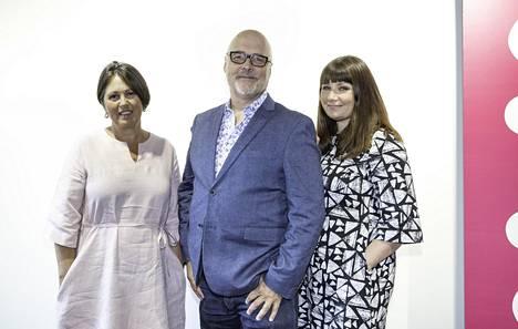 Helsinki Ensitreffit alttarilla -ohjelman parisuhdeneuvojat Marianna Stolbow, Tony Dunderfelt ja Elina Tanskanen.
