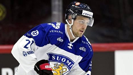 Juhani Tyrväinen kuvattuna helmikuussa Suomi–Venäjä-ottelun lämmittelyissä.