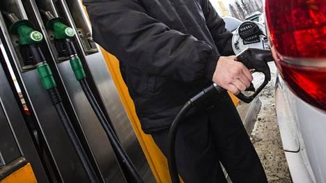Keskimääräinen uudehko dieselauto tuottaa vuodessa 2 960 kiloa eli pyöreästi kolme tonnia CO2-päästöjä.