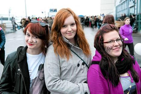 Vantaalainen Milla Kamppi, 20, oli paikalla sipoolaisten Minna Jaatisen, 20, ja Jonna Lylyn, 19, kanssa.