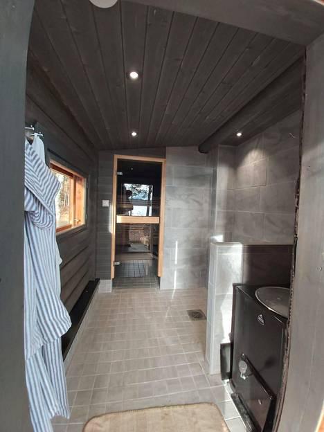 Uusi sauna on tehty pieteetillä.