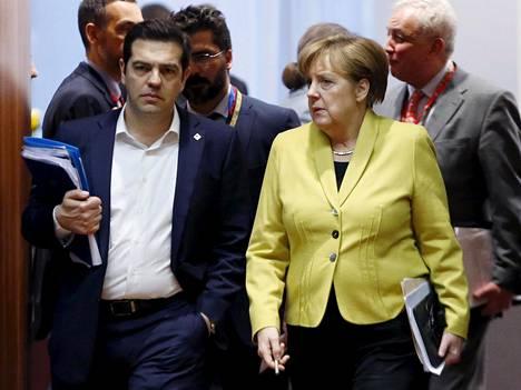 Saksan liittokansleri Angela Merkel ja Kreikan pääministeri Alexis Tsipras EU:n huippukokouksessa maaliskuussa Brysselissä.