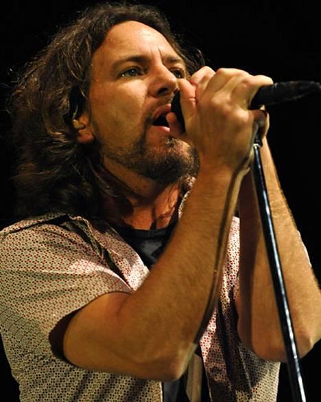 Grungerockin ikoni Pearl Jam haluaa päästä takaisin Suomeen keikalle paikatakseen epäonnistuneen edellisen vierailunsa.