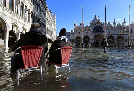 Osa turisteista on ollut mielissään, kun Venetsiassa on ollut tavanomaisesta poikkeavaa nähtävää.