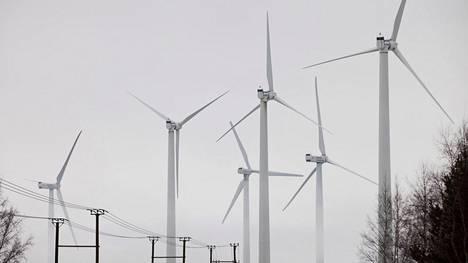 Tulevaisuudessa sähkön hinta voi vaihdella reilusti ja hinta painuu negatiiviseksi aiempaa useammin.