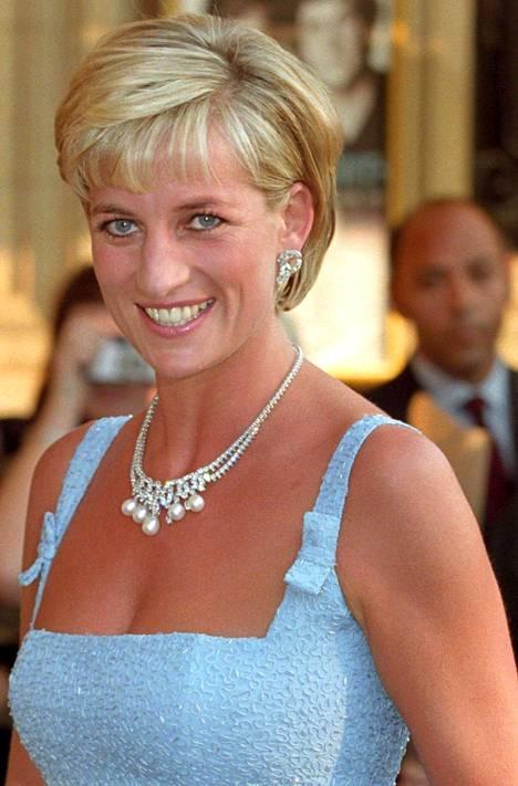 Prinsessa Diana eli elämänsä onnellisinta kesää ennen traagista onnettomuutta.