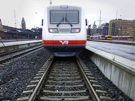 Varsinaissuomalaisia junamatkaajia sai perjantaiaamuna turhaan odottaa.