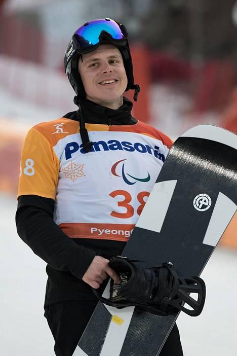 Matti Suur-Hamari kilpailee Pyeongchangin paralympialaisissa vielä perjantaina käytävässä banked slalomissa.