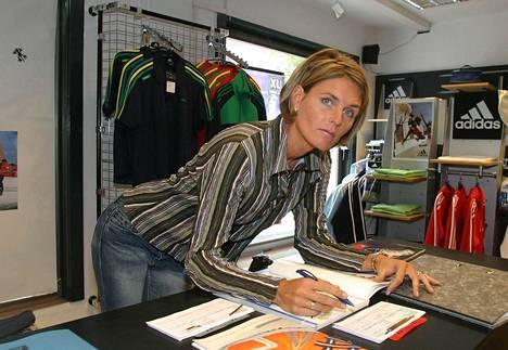 Urheilu-uransa jälkeen Katrin Krabbe Zimmerman työskenteli mm. urheiluvälinekaupassa.