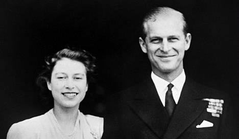 Tulevien kuningatar Elisabetin ja prinssi Philipin kihlajaisia vietettiin heinäkuussa 1947.