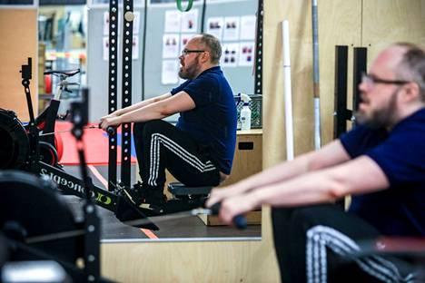 Tuomas Enbuske aloitti kuntosaliharjoittelun henkisen romahduksensa jälkeen.