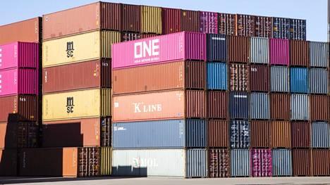 Keskuskauppakamarin Päivi Wood ennakoi, että satamissa voi brexitin vuoksi tulla pulaa varastotilasta.