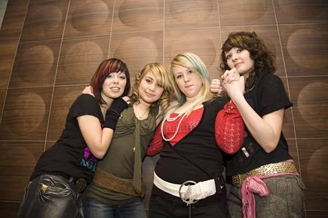 Anna Abreu ja muita Idols-kisaajia vuonna 2007.