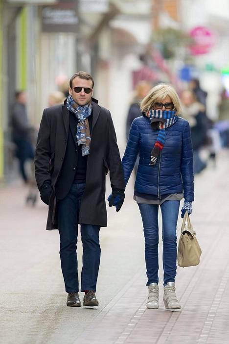 Emmanuel Macronin ja Brigitte Trogneuxillä on 24 vuoden ikäero.