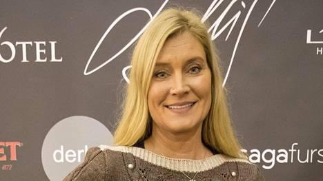 Radiojuontajana tunnettu Annika Metsäketo etsii kuumeisesti töitä.