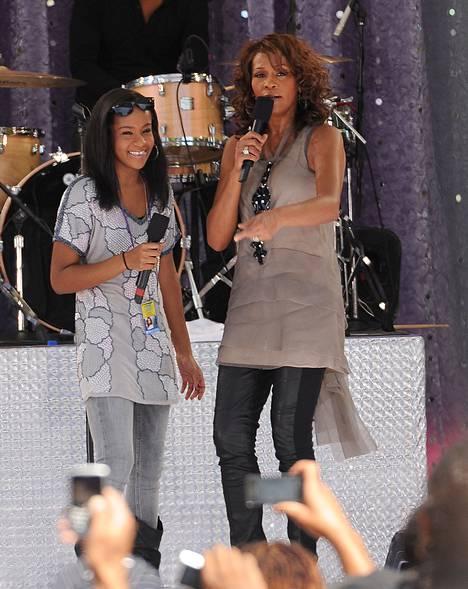 Bobbi Kristina ja Whitney Houston esiintyivät Good Morning America -ohjelmassa New Yorkin keskuspuistossa vuonna 2009.