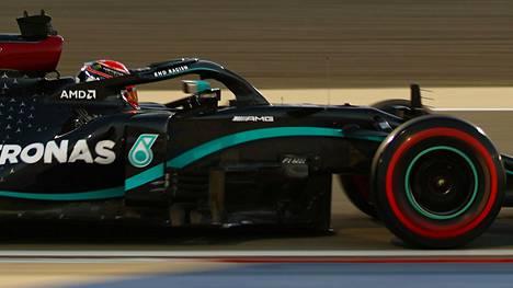 George Russell pääsi F1-sarjan parhaan auton rattiin perjantaina.
