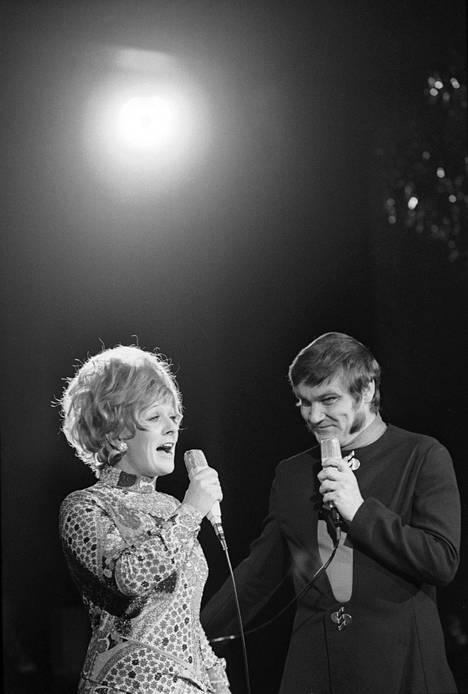 Marjatta Leppänen ja Jukka Virtanen show Adlonissa.