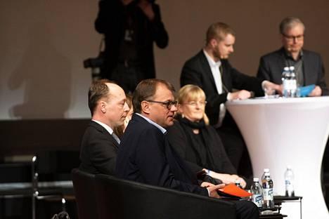 Halla-Aho ja Sipilä sanailivat napakasti maahanmuutosta.