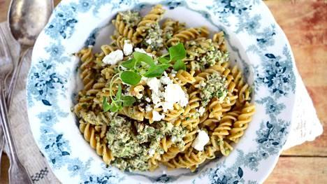 Kesäkurpitsapesto ja pasta ovat täydellinen yhdistelmä.