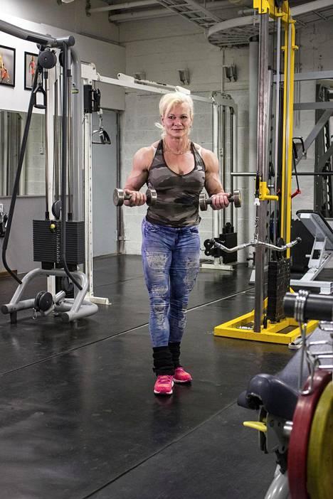 Jaana on pyhittänyt elämänsä kehonrakennukselle.