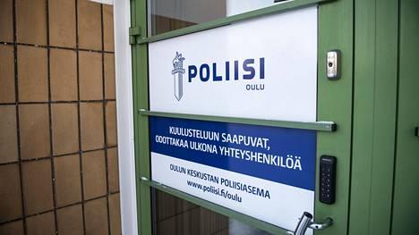Oulun poliisi tutkii perhesurmaa.
