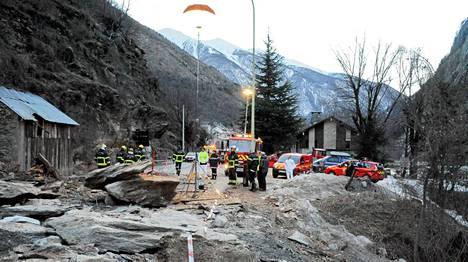 Maanvyörymän aiheuttivat mahdollisesti vesisateet ja leuto sää.